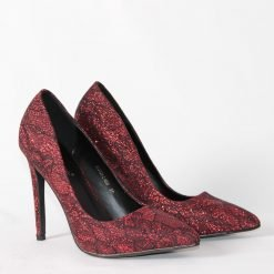 damski obuvki na visok tok cherveni 247x247 - 6 модни тенденции, които ще освежат вашето лято през 2019 г.