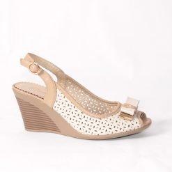 damski sandali na platforma bejovi 1 247x247 - 6 модни тенденции, които ще освежат вашето лято през 2019 г.