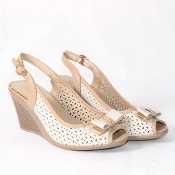 damski sandali na platforma bejovi 247x247 - 6 модни тенденции, които ще освежат вашето лято през 2019 г.