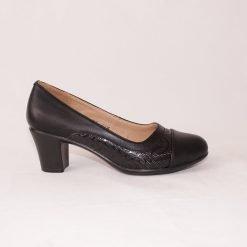 Дамски ежедневни обувки на среден ток