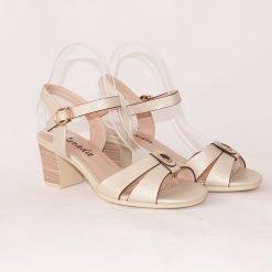 Дамски бежови сандали на среден ток