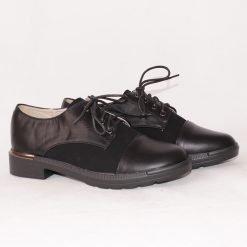 Дамски равни обувки с връзки черни