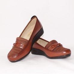 Кафяви дамски обувки на ниска платформа