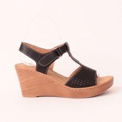 damski sandali visoka platforma cherni 1 247x247 - Често срещани грешки при избор на обувки
