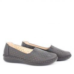 Дамски обувки равни с дупки