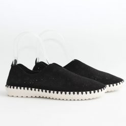 Равни черни дамски обувки