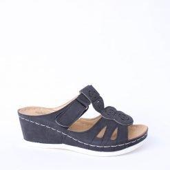 Дамски черни чехли на платформа