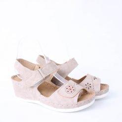 Бежови сандали дамски на платформа