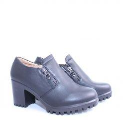 Дамски обувки затворени с цип