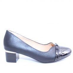Дамски обувки нисък ток черни