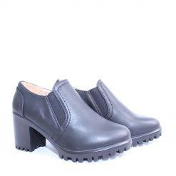 Дамски обувки затворени на ток