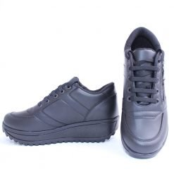Дамски спортни обувки на платформа черни
