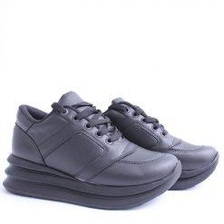 Дамски спортни обувки черни на платформа
