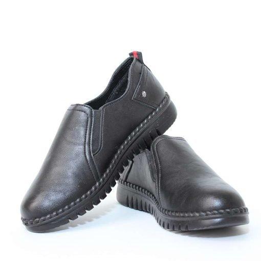 Дамски обувки равни затворени
