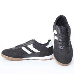 Юношески маратонки черни футболни