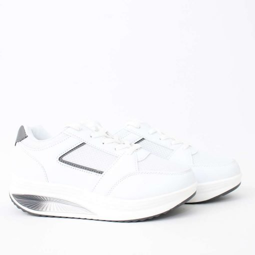 Дамски обувки бели с дебело ходило