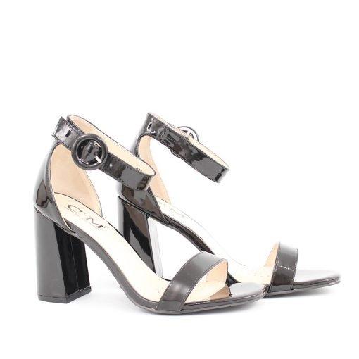 Дамски черни лачени сандали