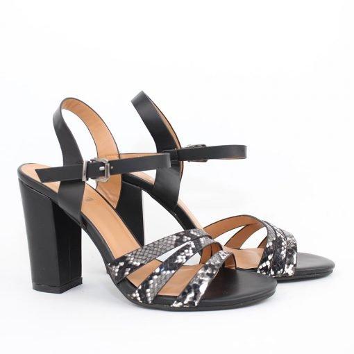 Дамски черни сандали с ленти