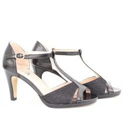 Дамски сандали черни с дантела
